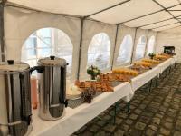 Réalisation du vin d'honneur et élaboration d'un repas lors d'un mariage par nos services de Traiteur à domicile (76)